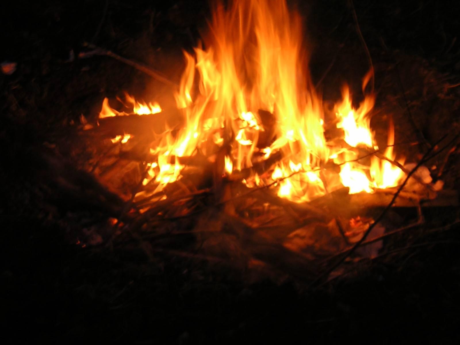 Oczym śpiewa ogień?