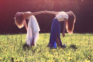 girls-839809_960_720