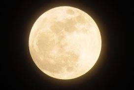 moon-1109746_960_720